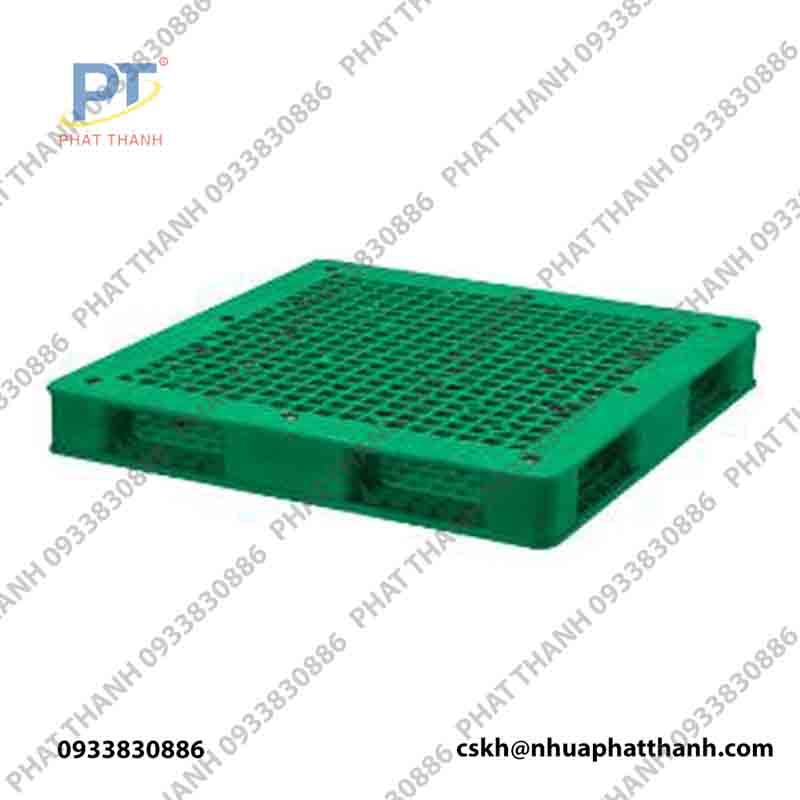 Pallet nhựa GT4F1 150.150 màu xanh lá