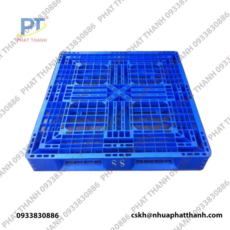 Pallet nhựa 1100x1100x150mm liền khối 1 mặt xanh dương