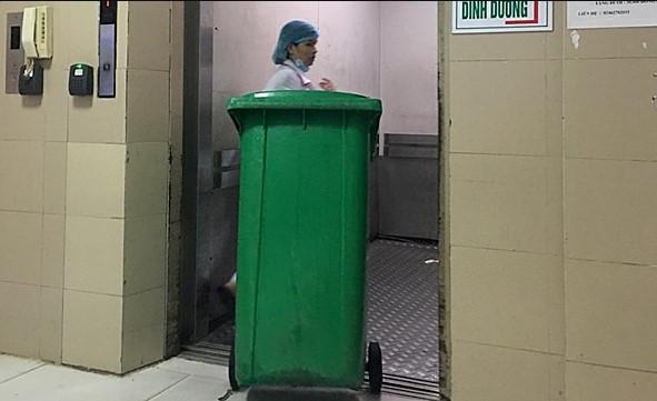 Thùng rác nhựa 120 lít đặt tại bênh viện