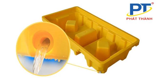 Ảnh 6: Nút thoát pallet nhựa chống tràn dầu tiện lợi