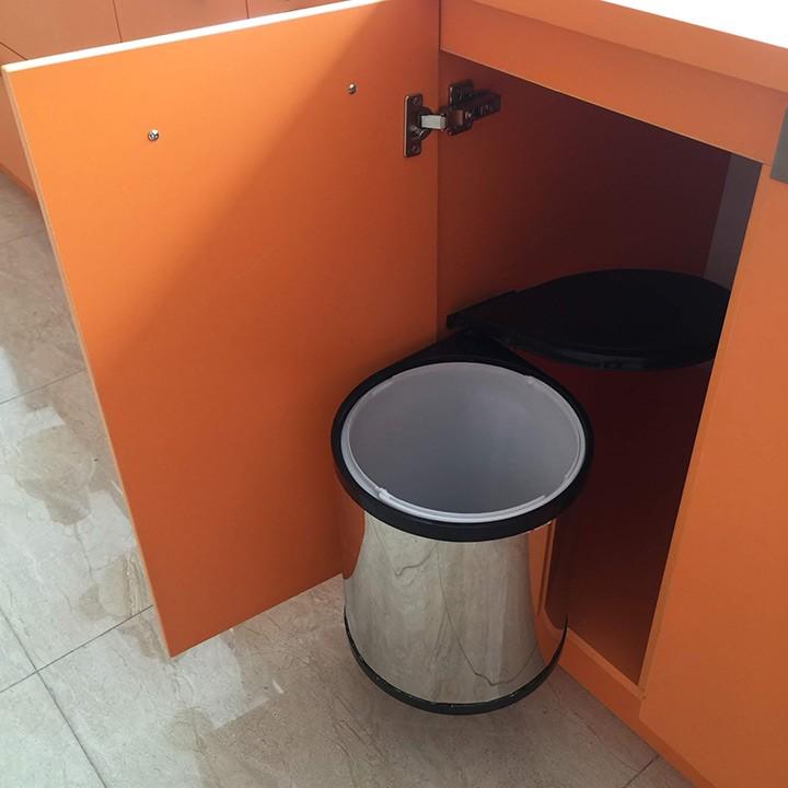 Thùng rác không nắp gắn trong tủ bếp