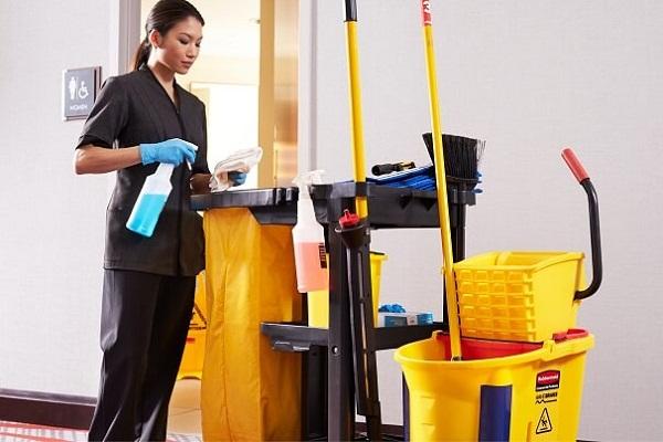 Thùng rác dành cho nhân viên vệ sinh