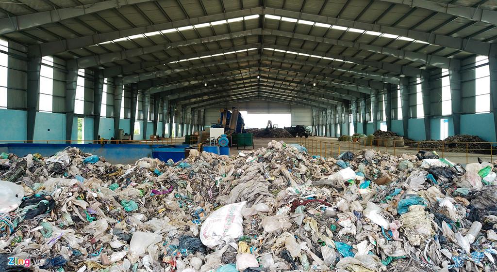 Rác thải vô cơ rất khó phân hủy