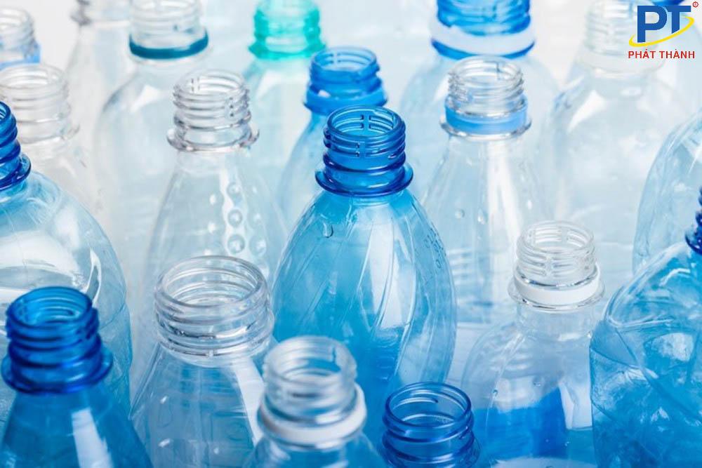Chai nước nhựa chứa BPA